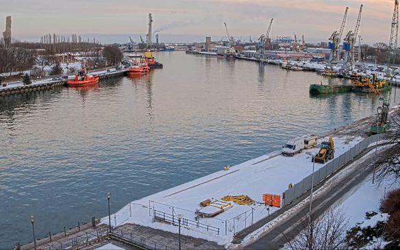Widok na kanał portowy